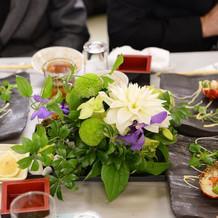 装花。基本に二千円追加し、一つ七千円。