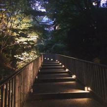 夜の庭園も素敵でした。