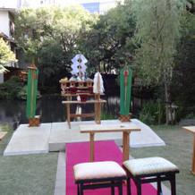 素敵な日本庭園を見ながらの神前式