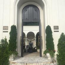 ビクトリアハウスへの入り口。