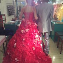 カラードレスです。
