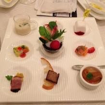 前菜は9種類あり、味も美味しかった。