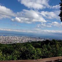 晴れると大阪湾も見渡せます