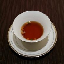 伝統のコンソメスープ。