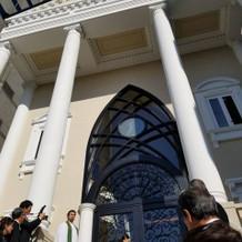 チャペル入口のアップ写真です。