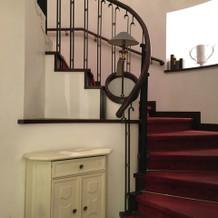 館内の螺旋階段