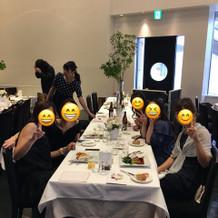 ゲストが多かったので、くし型テーブルに。