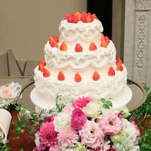 ケーキ3段も大きくてよかった