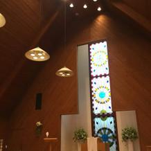 木の香りがする可愛らしい教会