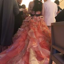 オレンジベースのカラードレス