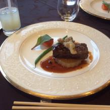 参列者からの評判の良かったお肉料理です。