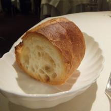 フランスパンで表面を焼いてあります