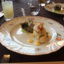 魚料理。ソースがとても美味しかった。