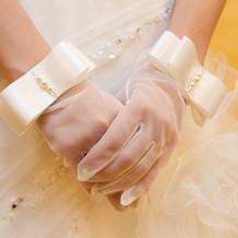 こちらの手袋は衣装屋で一目惚れしました。