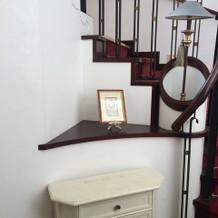 レイン邸内階段横