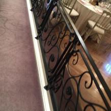 階段から出てくる演出