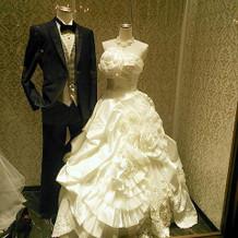 タキシード&ドレス