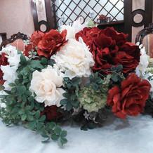 テーブル装花も様々なパターンがあるそう