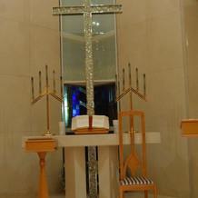 キラキラの十字架。