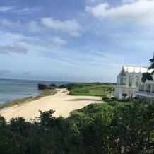 式場のビーチはホテルのとはまた違います。