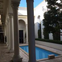 ガーデンのプール。