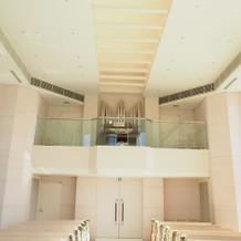 上段の聖歌隊のスペース