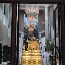 大階段を使った演出