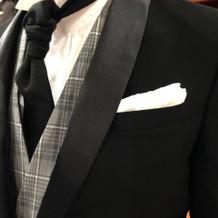 紳士服店で購入。海外挙式は黒ネクタイ^^