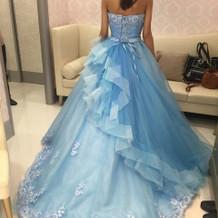衣装合わせカラードレス