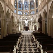 素敵なステンドグラスの大聖堂