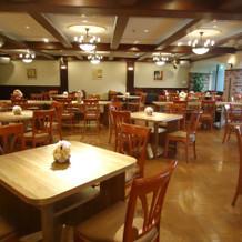 カフェ風の控室