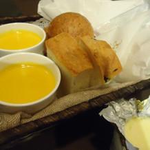 自家製パンとクリームスープ