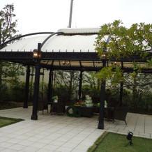 ガーデンにはベンチもあります!