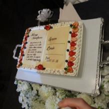 本型のウェディングケーキ