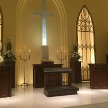 十字架が綺麗に光ります。