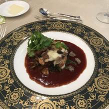 フォアグラと牛肉のロッシーニ