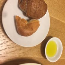 パンと癖のないオリーブオイル
