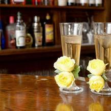 新郎新婦用の乾杯グラス