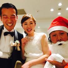 サンタさんと三人でテーブルサービス!