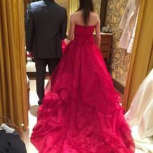 ゲストから好感度のカラードレス