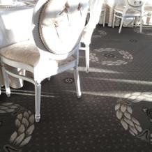 披露宴会場椅子