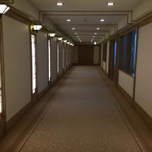 チャペル前廊下