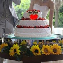 当日のウェディングケーキ