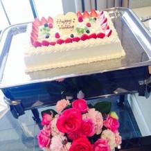 可愛いウェディングケーキ