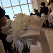 チャペル装花と羽とリボン(挙式代込)