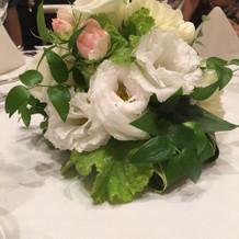 ゲスト卓装花
