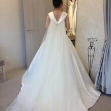 えびちゃんプロデュースのドレスです。