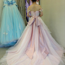 エビちゃんプロデュースのドレスです。