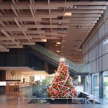 和のイメージのクリスマスツリーがありまし