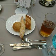 乾杯酒とパン